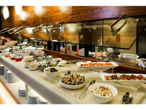 L'hotel Causeway Bay Harbour View - Corner 18 - Lunch Buffet (1 person)