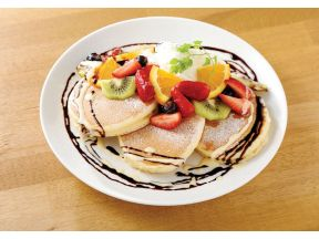 gram cafe & pancakes - Mixed fruit & chocolate pancake (1 pc) (Monday - Friday , Dine in Only)