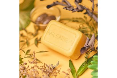 Milensea Cleoqueen Israel Dead Sea Sulfur Soap with Wellderma Magic Cleaning Pad (1 set)