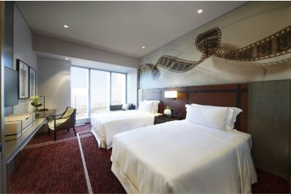 1 night's stay in a Studio City Macau Celebrity King or Twin Room-valid Sun-Thur (Applicable till Oct 31, 2018)