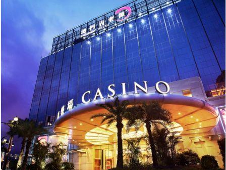 1 night accommodation at Broadway Macau (Broadway King)