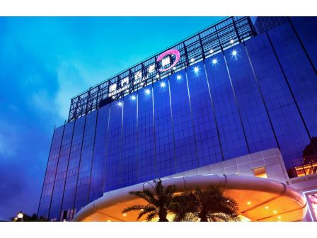 1 night accommodation at BROADWAY MACAU™
