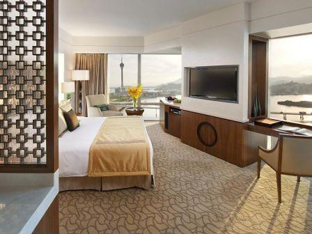 1 night accommodation at Mandarin Oriental Macau-Deluxe City View King